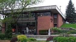 Brooks Memorial Library