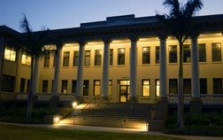 University of Hawaii at Manoa Library