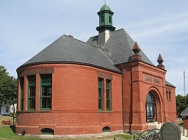 Peavey Memorial Library