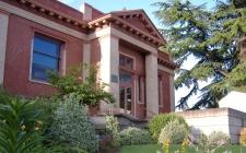 Newberg Public Library